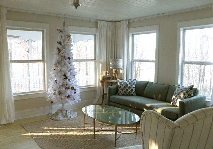 livingroom_holiday_horizontal_web