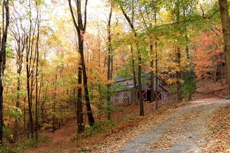 gallery_barn_driveway_peak-color