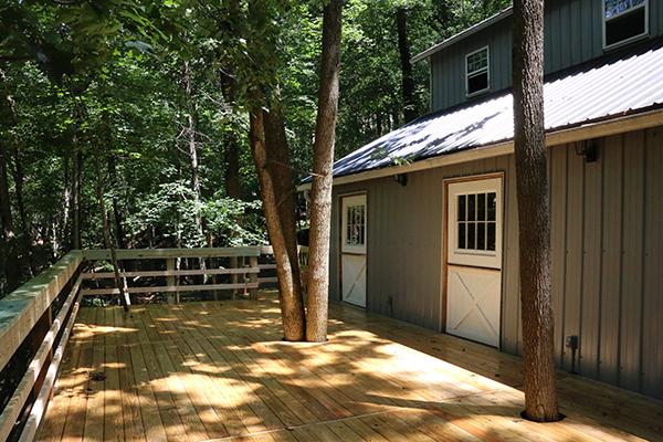 barn deck oakleaf cottage