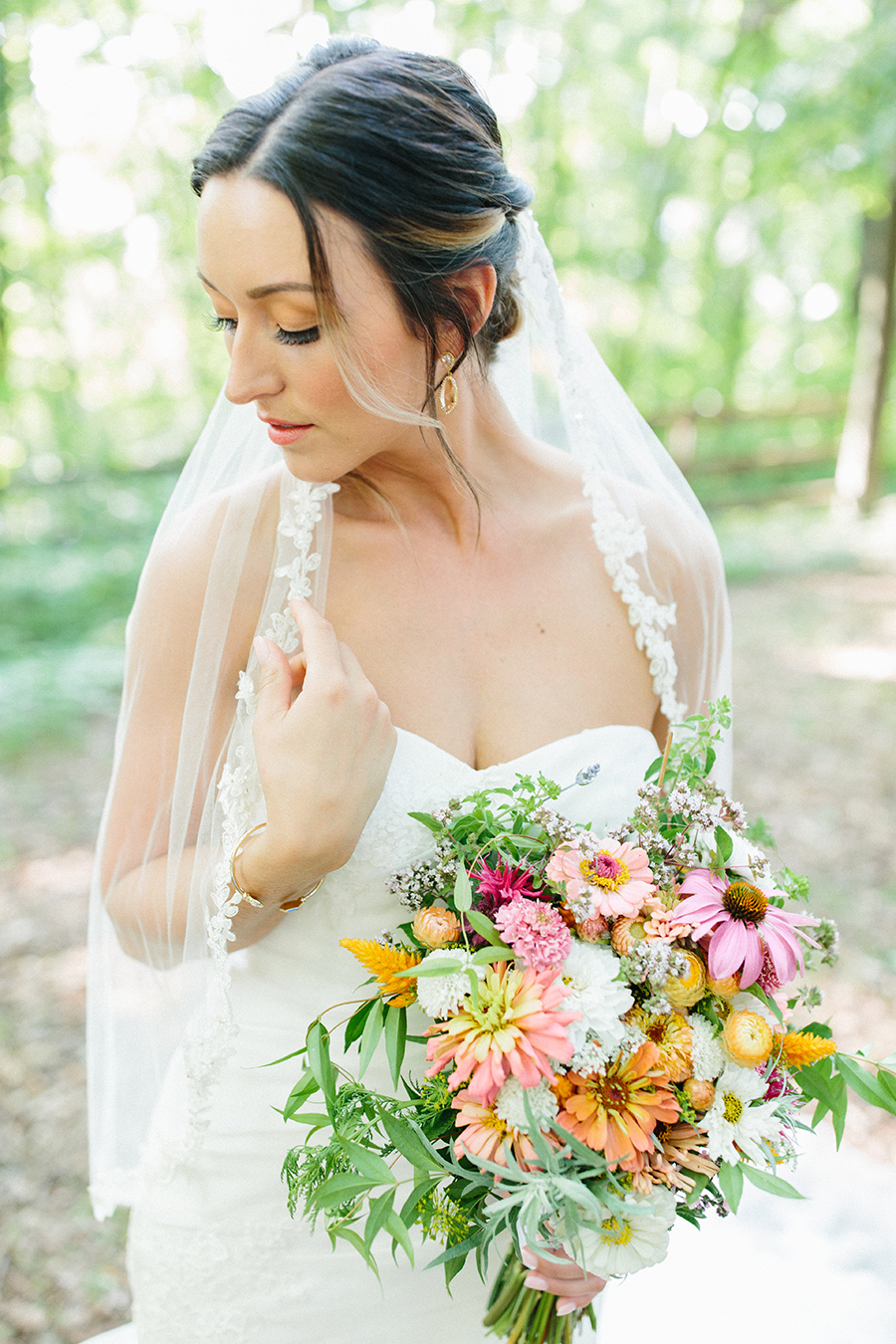 bride makeup wildflower wedding bouquet