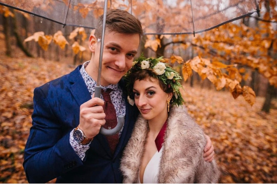 wedding on rainy winter day