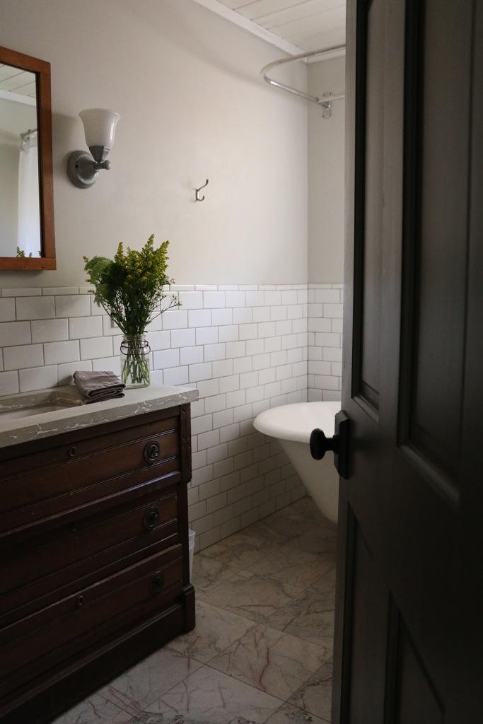 oakleaf cottage clawfoot tub